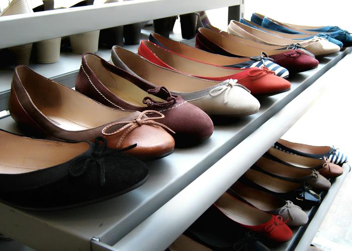 Обувь с ароматом нафталина