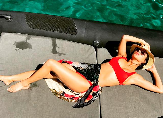 Николь Шерзингер продемонстрировала идеальную фигуру во время отдыха на Миконосе