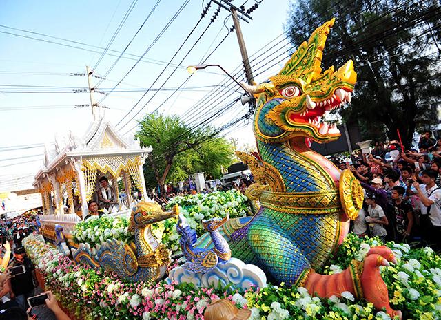 Когда лучше ехать в Таиланд, чтобы увидеть местные праздники
